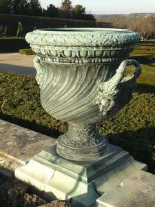 florero de estilo / de bronce / hecho a mano
