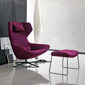 sillón contemporáneo / de tejido / de cuero / con respaldo alto