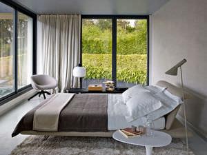 cama de matrimonio / contemporánea / tapizada / con cabecero tapizado