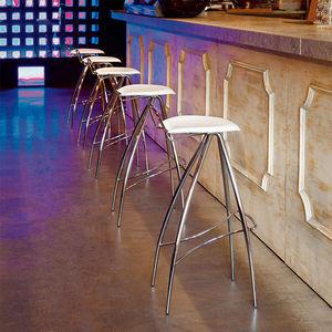 taburete de bar contemporáneo / de cuero / de metal lacado / de cromo