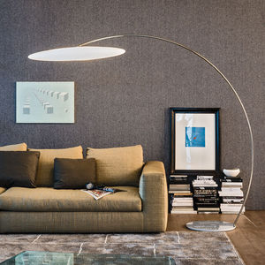 lámpara de pie / contemporánea / de acero / de polietileno