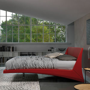 cama de matrimonio / contemporánea / tapizada / con cabecero