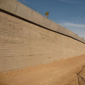 bloque de hormigón macizo / para muro de contención / para cerca / para tabique