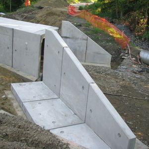 muro de cabeza prefabricado / de hormigón armado
