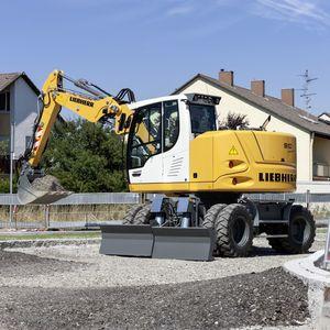excavadora intermedia