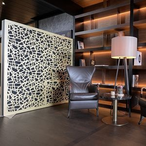separador de espacios de madera