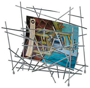 revistero de diseño original / para uso residencial / de acero / de Fernando & Humberto Campana