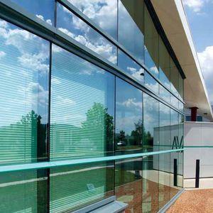 muro cortina de aluminio y vidrio