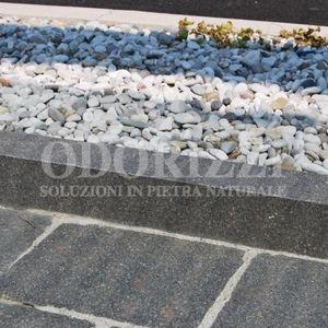 borde de jardín / de acera / de pórfido / lineal