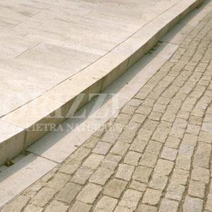 borde de acera / de cuneta / de granito / lineal