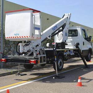 plataforma elevadora para obra / de exterior / montada sobre camión