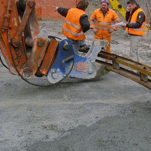 pinza de elevación hidráulica / para materiales de construcción / de fleje