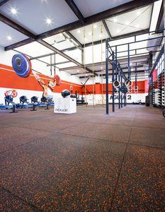 pavimento deportivo de caucho reciclado / de EPDM / de interior / para sala polideportiva