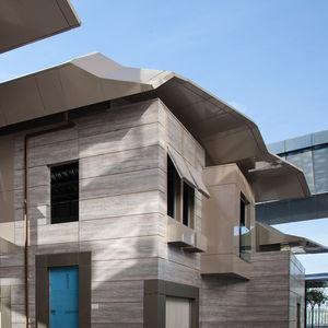revestimiento de fachada de paneles / de aluminio / de material compuesto / texturado