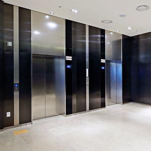 puerta de ascensor de acero inoxidable