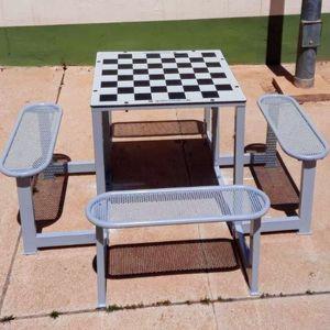 mesa de ajedrez contemporánea