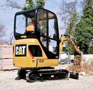 excavadora mini / con orugas / compacta / de demolición