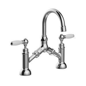 grifo mezclador para lavabo / de libre instalación / de metal cromado / de baño