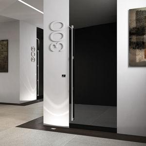 puerta de interior / abatible / de madera / de seguridad