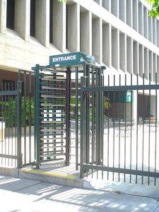 torniquete de seguridad / de metal / para edificio público