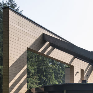 revestimiento de fachada de paneles / de fibra de madera / liso / acabado natural