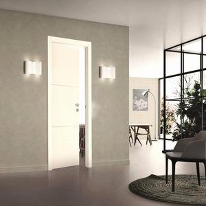 puerta de interior / abatible / de madera maciza / de MDF