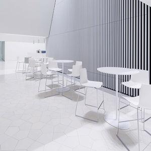 mesa alta contemporánea