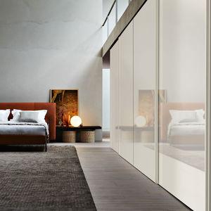 armario de pared / contemporáneo / de madera / con puertas corredizas