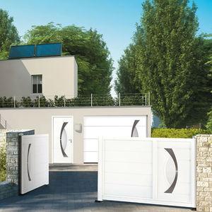 portón corredero / de aluminio / de acero inoxidable pulido / de láminas