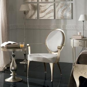 sillón de estilo / de cuero / medallón