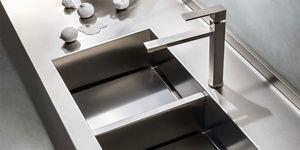 fregadero de 2 cubetas / de acero inoxidable / monobloque / sin escurreplatos