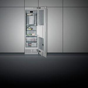 congelador armario / blanco / de acero inoxidable / de ahorro energético