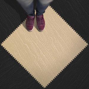 pavimento de caucho / de alta eficacia / hidrófugo / para instalación deportiva