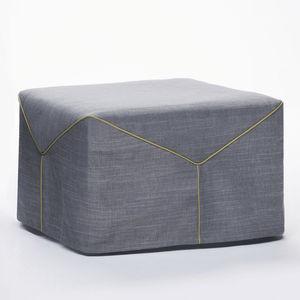 puf contemporáneo / de tejido / de cuero / con revestimiento removible