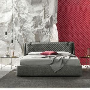 cama de matrimonio / de diseño original / tapizada / con base de almacenamiento