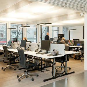 escritorio para open space / de MDF lacado / de material laminado / de metal