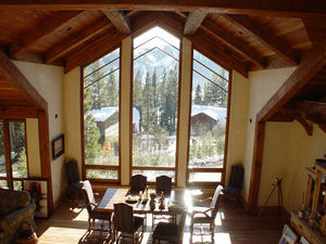 ventana abatible / de madera / de corte térmico / poligonal
