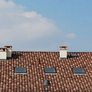 ventana de tejado basculante / de madera / con vidrio sencillo / acústica