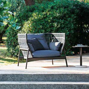 sillón de jardín / contemporáneo / de aluminio pintado / de poliéster