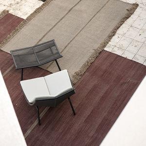 alfombra contemporánea / de color liso / de fibras sintéticas / rectangular