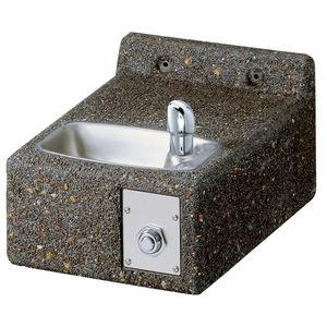 fuente para beber de pared