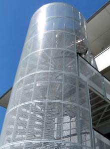 escalera de caracol / estructura de metal / con peldaños de metal / sin contrahuellas