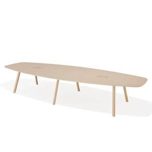 mesa de conferencia de diseño minimalista