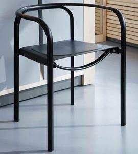 silla contemporánea / con reposabrazos / apilable / de cuero