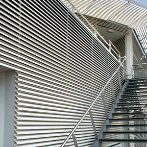 revestimiento de fachada en láminas / de aluminio / de escayola / de aleación