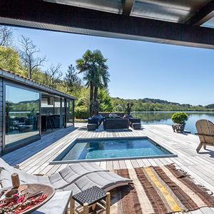 piscina enterrada / de madera / a medida / cubierta