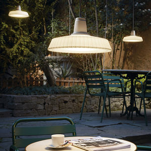 lámpara suspendida / contemporánea / de polietileno / de exterior