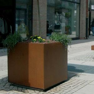 jardinera de metal / cuadrada / contemporánea / para espacio público