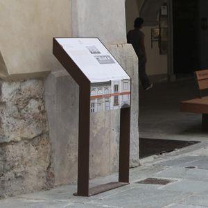 panel de información para espacio público