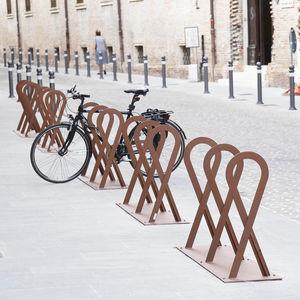 aparcabicis de acero galvanizado / de diseño original / para espacio público